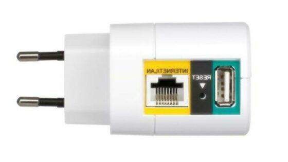 Eternet in USB priključek omogočata prenos datotek, polnjenje naprav in vzpostavitev Wi-Fi dostopne točke.