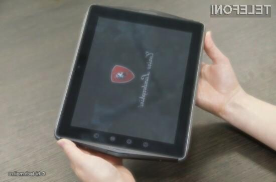 Za pametni telefon TL700 bo potrebno odšteti prevrednotenih 2175 evrov, medtem ko boste ob nakupu tablice lažji za 1800 evrov.