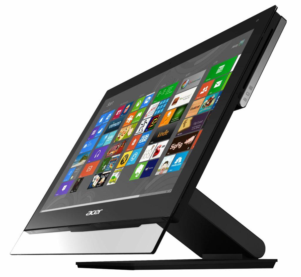 Ena od odlik računalnika Acer Aspire 5600U je zagotovo njegova atraktivna zunanjost.