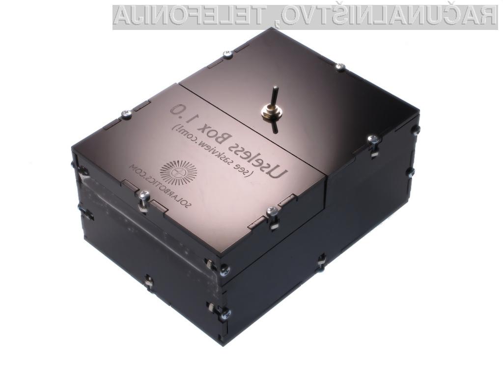 Črna škatlica, ki vam bo spremenila življenje. Na nek način ...