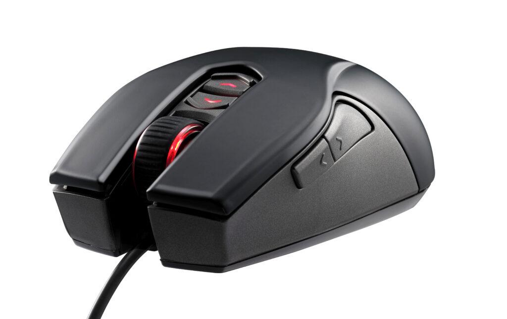 Računalniška miš CM Storm Recon bo navdušila predvsem ljubitelje računalniških iger.
