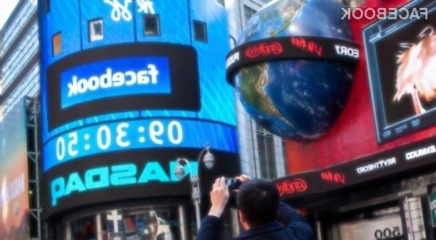 Facebook lahko rešijo le še oglasi, namenjeni mobilnim napravam.