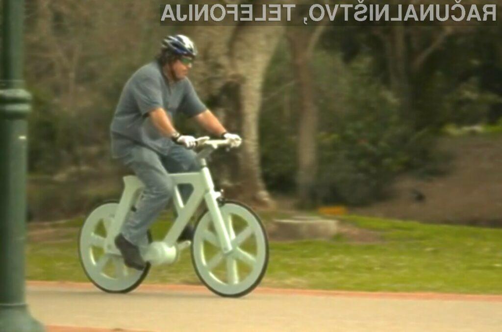 Valovit karton se odlično obnese tudi v vlogi materiala za pripravo kolesa!