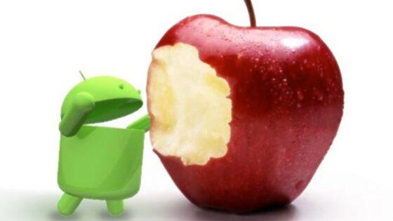 Družabna omrežja so priljubljena tako pri uporabniki mobilnih naprav Android kot iOS.