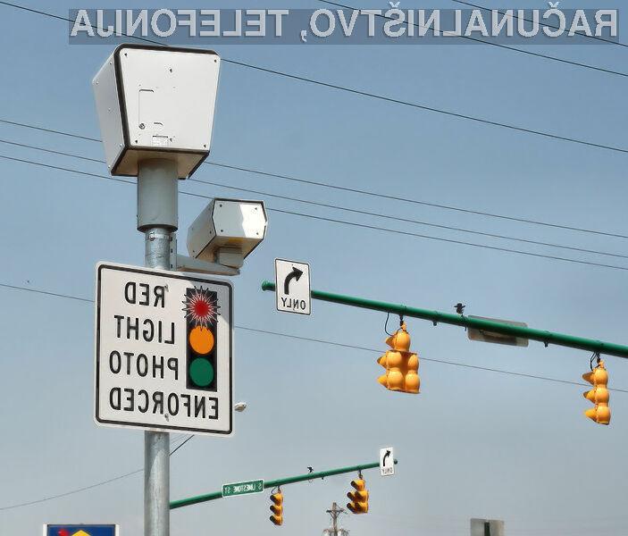 Kjer so postavljeni merilniki za vožnjo ob rdeči luči, vozniki neprestano gledajo v semafor in niso pozorni na dogajanje v prometu.