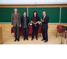 Marinka Žitnik je prejela univerzitetno Prešernovo nagrado