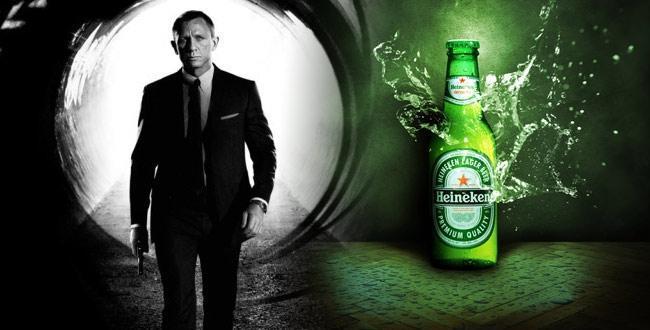 James Bond po novem pije Heineken