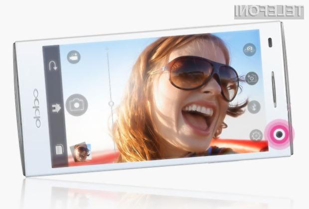 Pametni mobilni telefon Oppo Ulike 2 se odlično obnese tudi v vlogi sodobnega ogledala.
