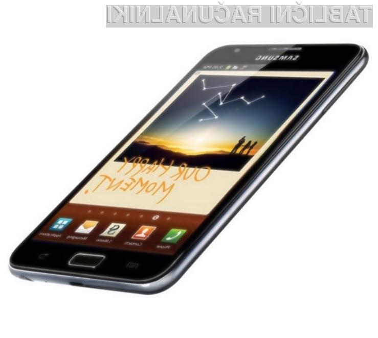 Tablični računalnik Samsung Galaxy Note 8.0 naj bi povzročil padec prodaje tablic iPad mini.