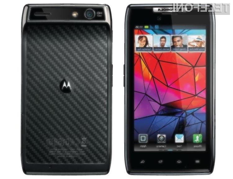 Zmogljivi in vzdržljivi mobilnik Motorola X Phone naj bi po ocenah poznavalcev šel v prodajo kot vroče žemljice.