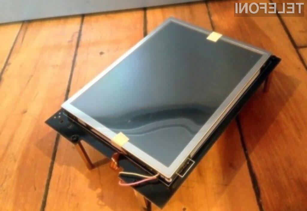 Iz oblikovno neprivlačnega prototipa iPhona je nastal eden najbolj priljubljenih pametnih mobilnih telefonov na modrem planetu.
