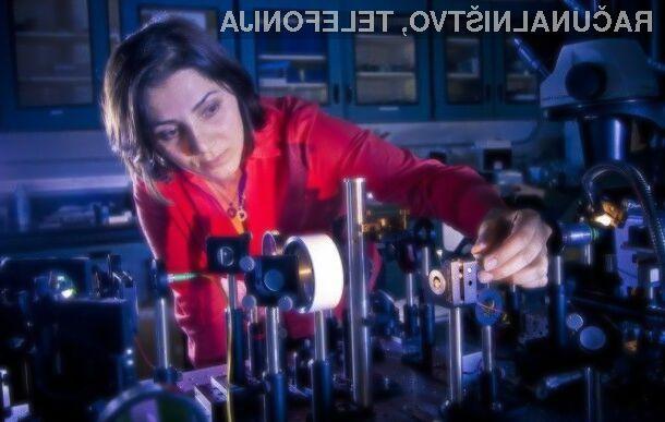 Računalniški čipi bodo lahko že kmalu namesto elektronov za komunikacijo koristili kar svetlobo.