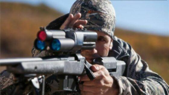 Z uporabo naprednega merilnega sistema Precision Guided Firearm (PGF) je lahko ostrostrelec vsak, ki zna vsaj pravilno držati puško v rokah.