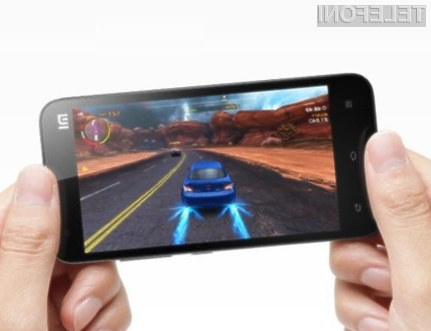 Pametni mobilni telefon Xiaomi Mi-3 bo na kitajskem trgu zagotovo šel v prodajo kot vroče žemljice!