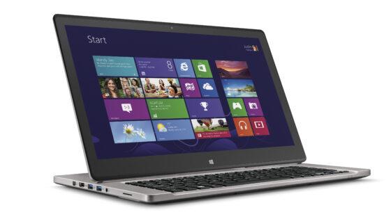 Računalnik Acer Aspire R7 lahko uporabljamo v vlogi prenosnega računalnika, tablice ali računalnika vse-v-enem.