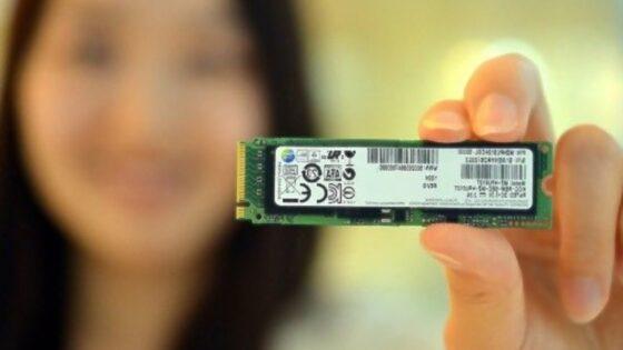 Kompaktni pomnilniški medij Samsung XP941 SSD bo nadvse pohitril delovanje kompaktnih prenosnih računalnikov!