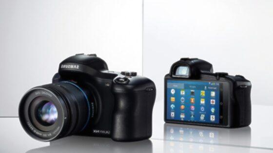 Pametni brezzrcalni fotoaparat Galaxy NX lahko povsem prilagodimo našim potrebam in zahtevam!