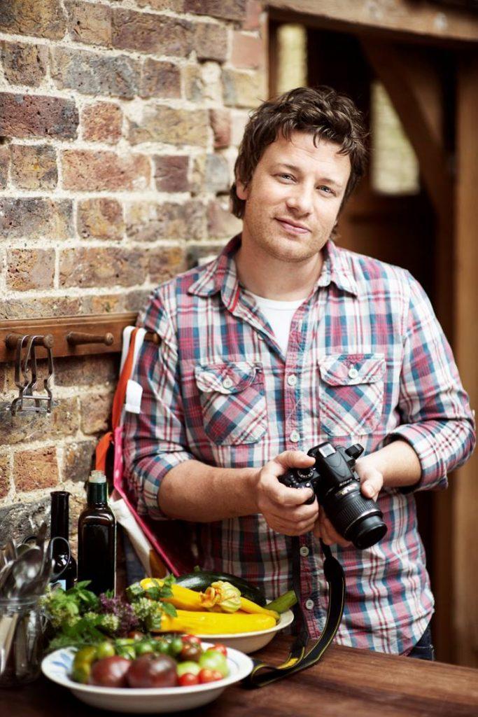 """Jamie Oliver in Nikon: """"Kuhanje je prikaz resničnega nereda."""""""