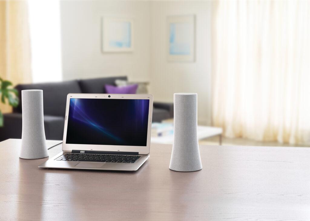 Najnovejši Logitechovi stereo zvočniki nudijo preprosto brezžično povezljivost za do tri naprave hkrati.