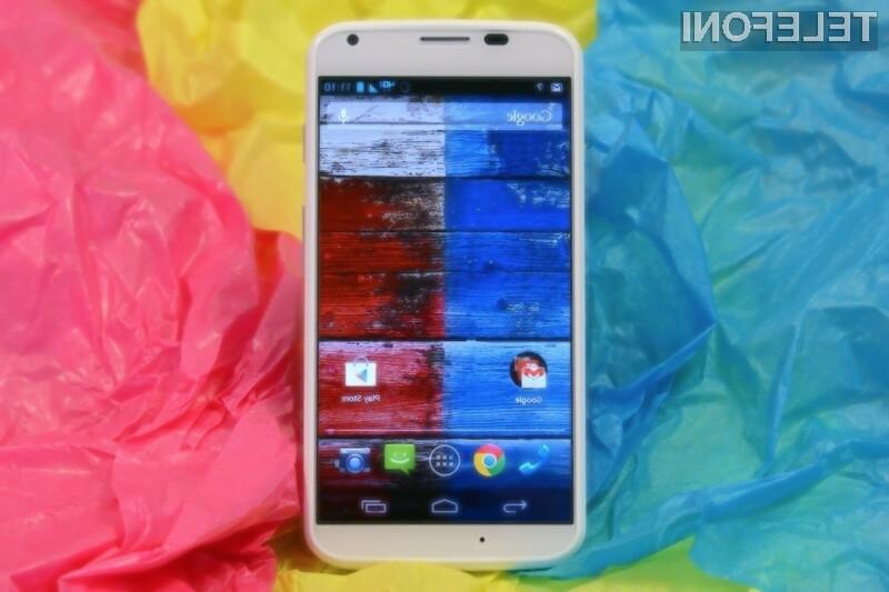 Pametni mobilni telefon Motorola Moto X podpira telefonske kartice nanoSIM.