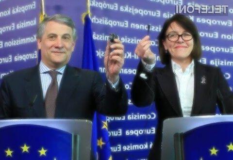 Izvajanje direktive Evropske unije o enotnem polnilcu naj bi se pričelo že v drugi polovici naslednjega leta.