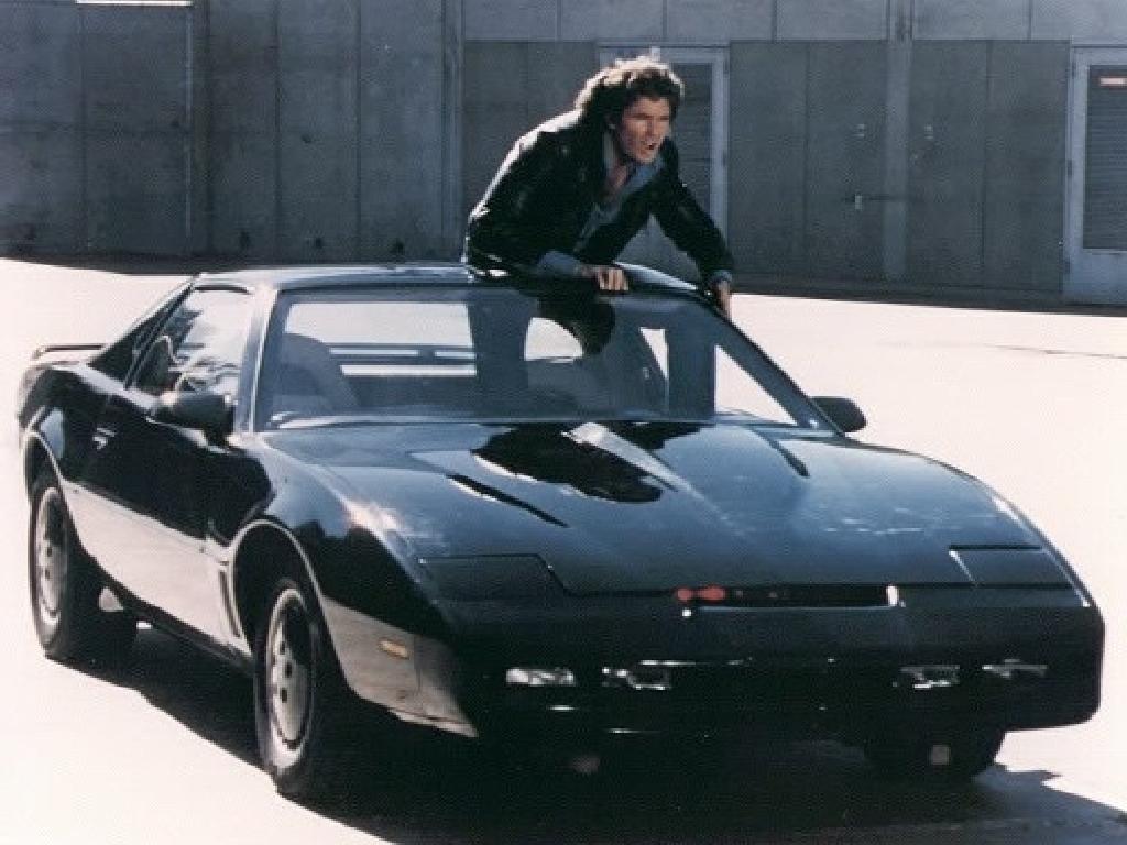 Serija Vitez za volanom iz leta 1982 je vsebovala samovozni avtomobil.