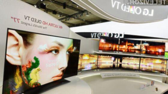 Ukrivljen televizor OLED s 77-palčno diagonalo ponuja izjemno uporabniško izkušnjo!