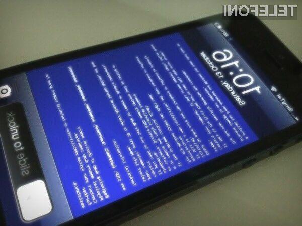 Uporabnikom novega Applovega pametnega mobilnega telefona iPhone 5S sive lase povzroča modri zaslon smrti!