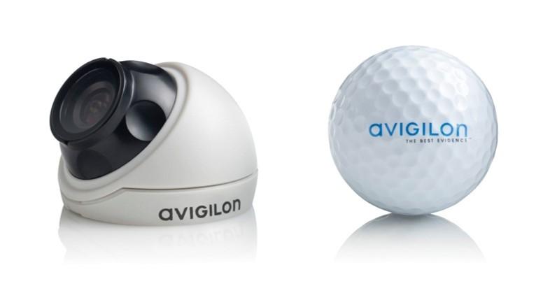 Avigilon HD Micro Dome kamera v velikosti golf žogice