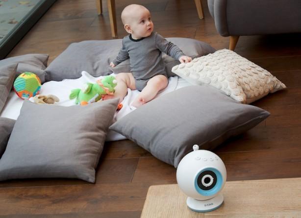 Družba D-Link svetuje staršem, kako se lahko izognejo neprespanim nočem  z nakupom nadzorne kamere za dojenčka.