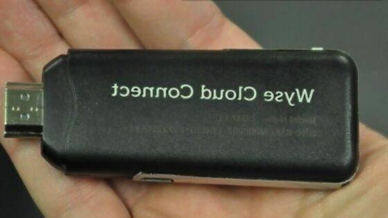 Cenovno ugodni in kompaktni »osebni računalnik« Dell Wyse Cloud Connect je kot nalašč za tiste, ki veliko potujejo!
