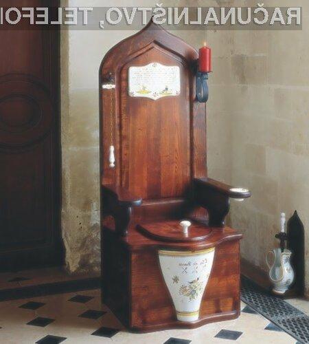6. Kraljevi lesen WC, ki ga sicer te dni ni na zalogi.