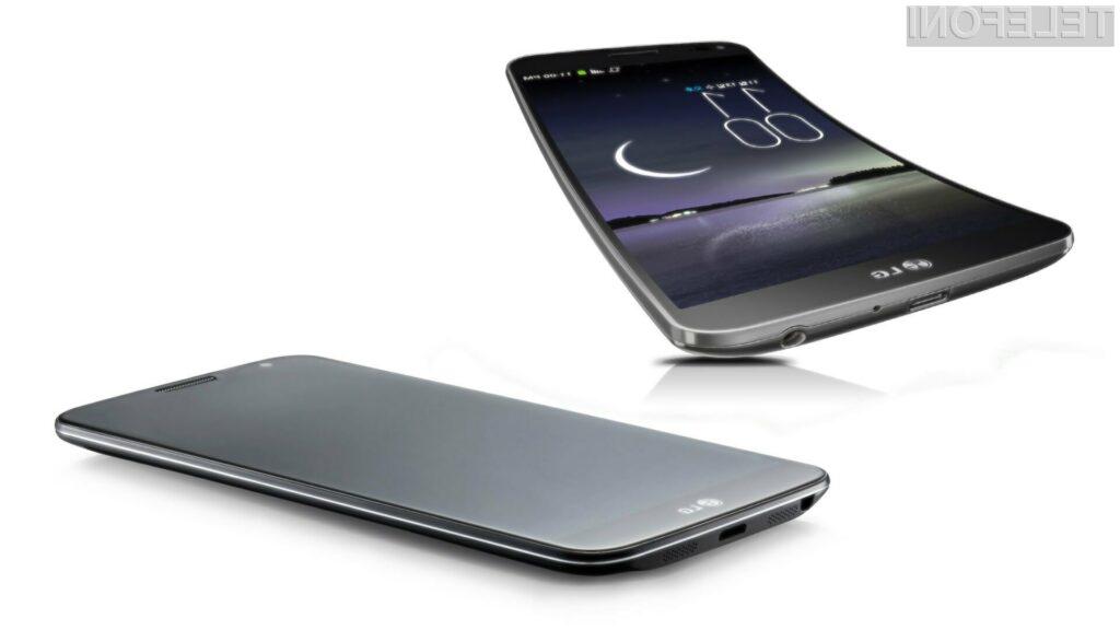 Ukrivljeni mobilnik LG G Flex si bodo lahko privoščili te tisti z nekoliko debelejšimi denarnicami