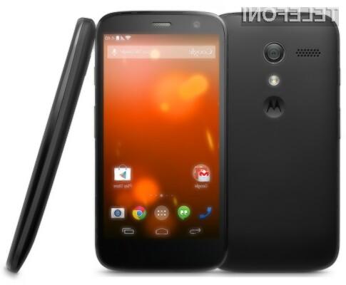Pametni mobilni telefon Moto G Google Play ponuja uporabniško izkušnjo mobilnikov Google Nexus.