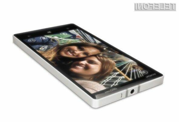 Pametni mobilni telefon Nokia Lumia Icon bo zlahka pometel z vso konkurenco!