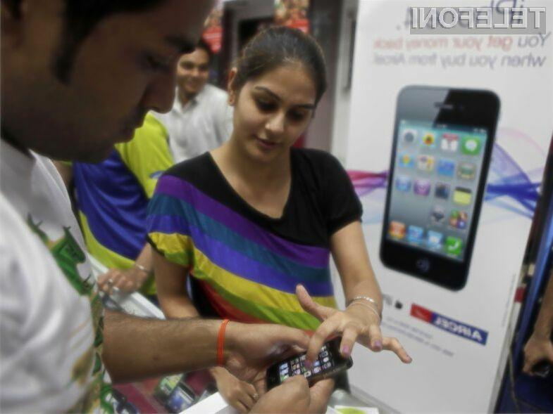 Za vstopno različico mobilnika iPhone 4 bo v Indiji potrebno odšteti le preračunanih 177 evrov.