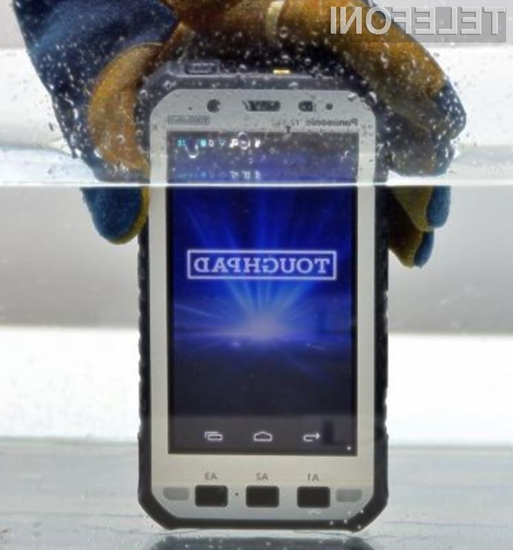 Pametna mobilna telefona Toughpad FZ-E1 in Toughpad FZ-X1 brez težav prenašata padce, udarce, prah in vodo.