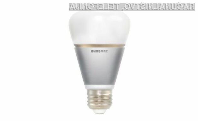 Pametno svetilko Sasmung Smart Bulb lahko upravljamo iz vseh mobilnih naprav s povezavo Bluetooth.