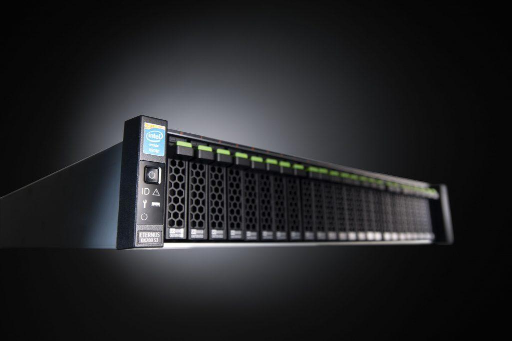 Fujitsu s profesionalnimi sistemi hrambe podatkov