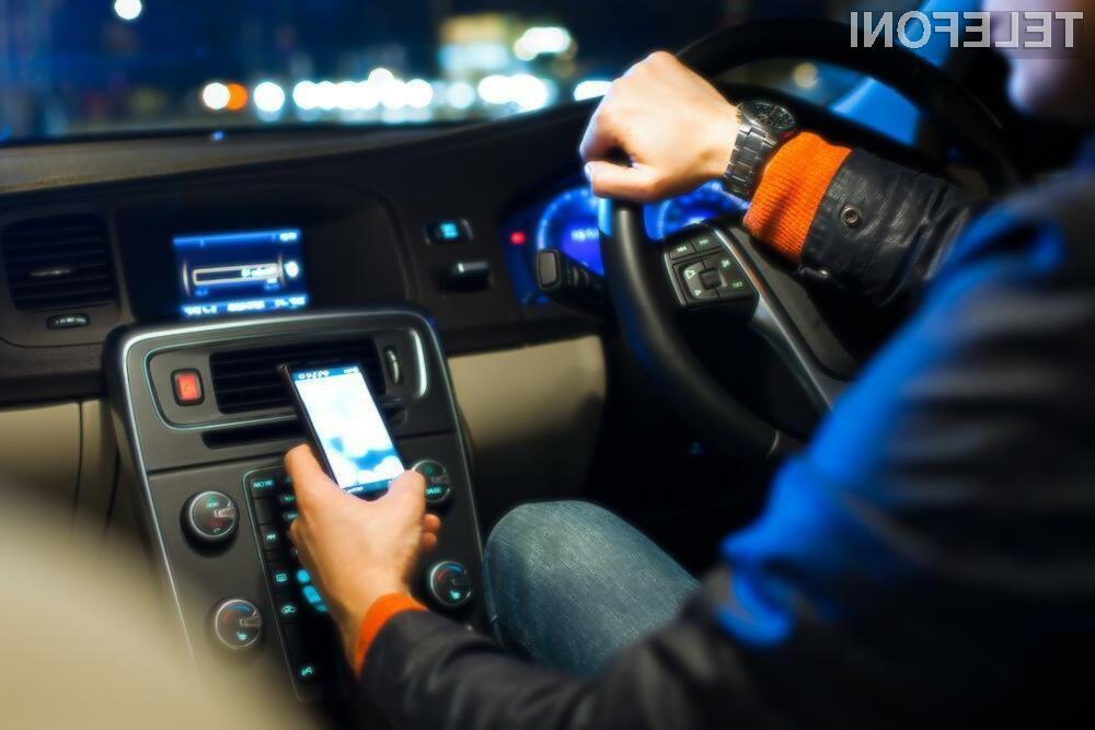 Prizivno sodišče je ugotovilo, da je v ameriški zvezni državi Kalifornija med vožnjo izrecno prepovedano le opravljanje pogovorov in pisanje sporočil.