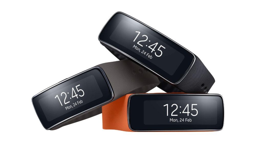 Samsung Galaxy S5 in Gear v prodaji