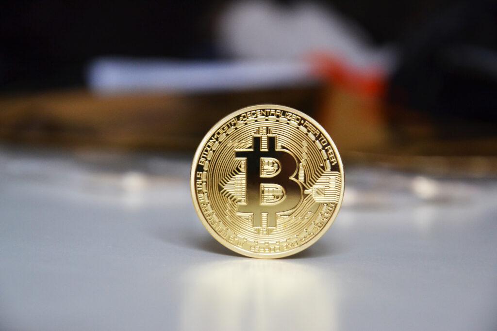 Bitcoin: Novo '' zlo'' ali briljantna rešitev?