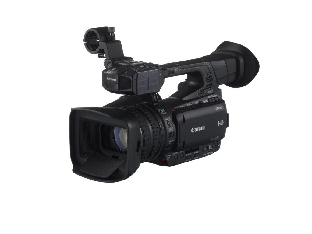 Canon je predstavil kompaktni kameri XF205 in XF200.