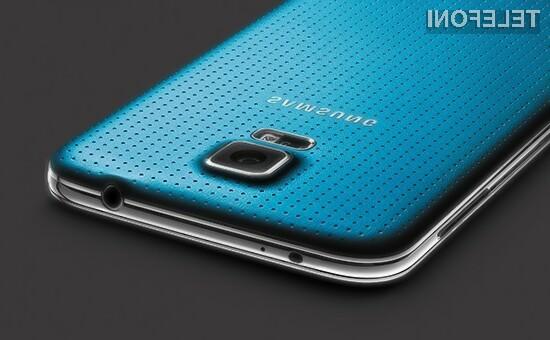 Mobilnik Samsung Galaxy S5 naj bi od pričetku prodaje iPhona 5 močno izgubil na priljubljenosti.