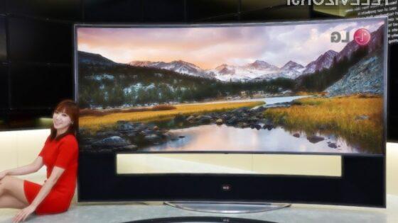 Ukrivljen 105-palčni televizor LG se bo zlahka prikupil tudi najzahtevnejšim uporabnikom.