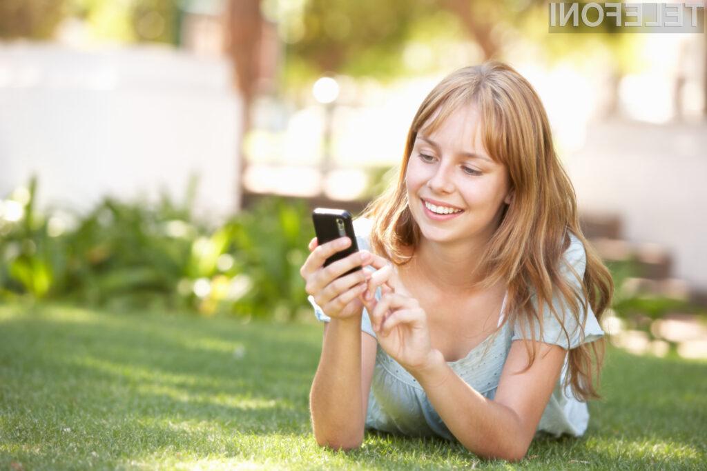 Cene gostovanj v tujih mobilnih omrežjih znotraj Evropske unije so se v povprečju znižale za četrtino.