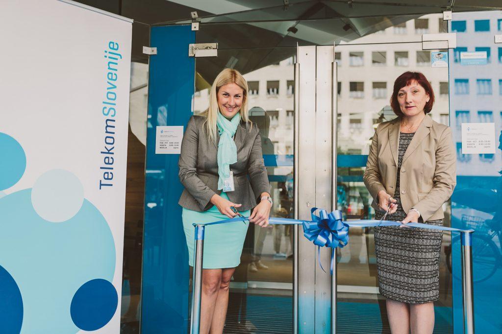 Telekomov center na Trgu Ajdovščina v Ljubljani odslej vabi z novo podobo