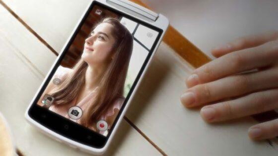 Zanimivi fotografski mobilnik Oppo N1 mini naj bi v jeseni prispel tudi na evropsko tržišče.