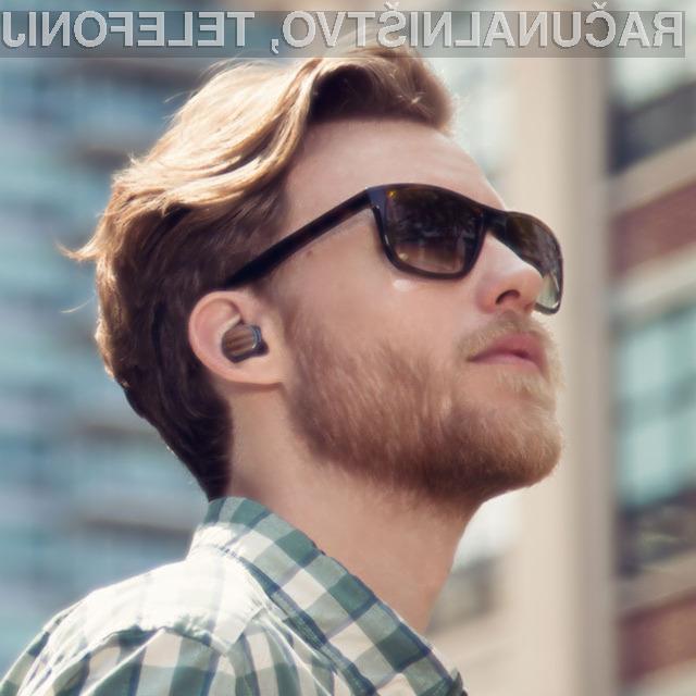 Pametna slušalka Motorola Hint močno poenostavlja uporabo pametnih mobilnikov.