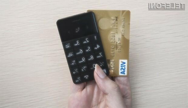 Mobilni telefon velikosti kreditne kartice